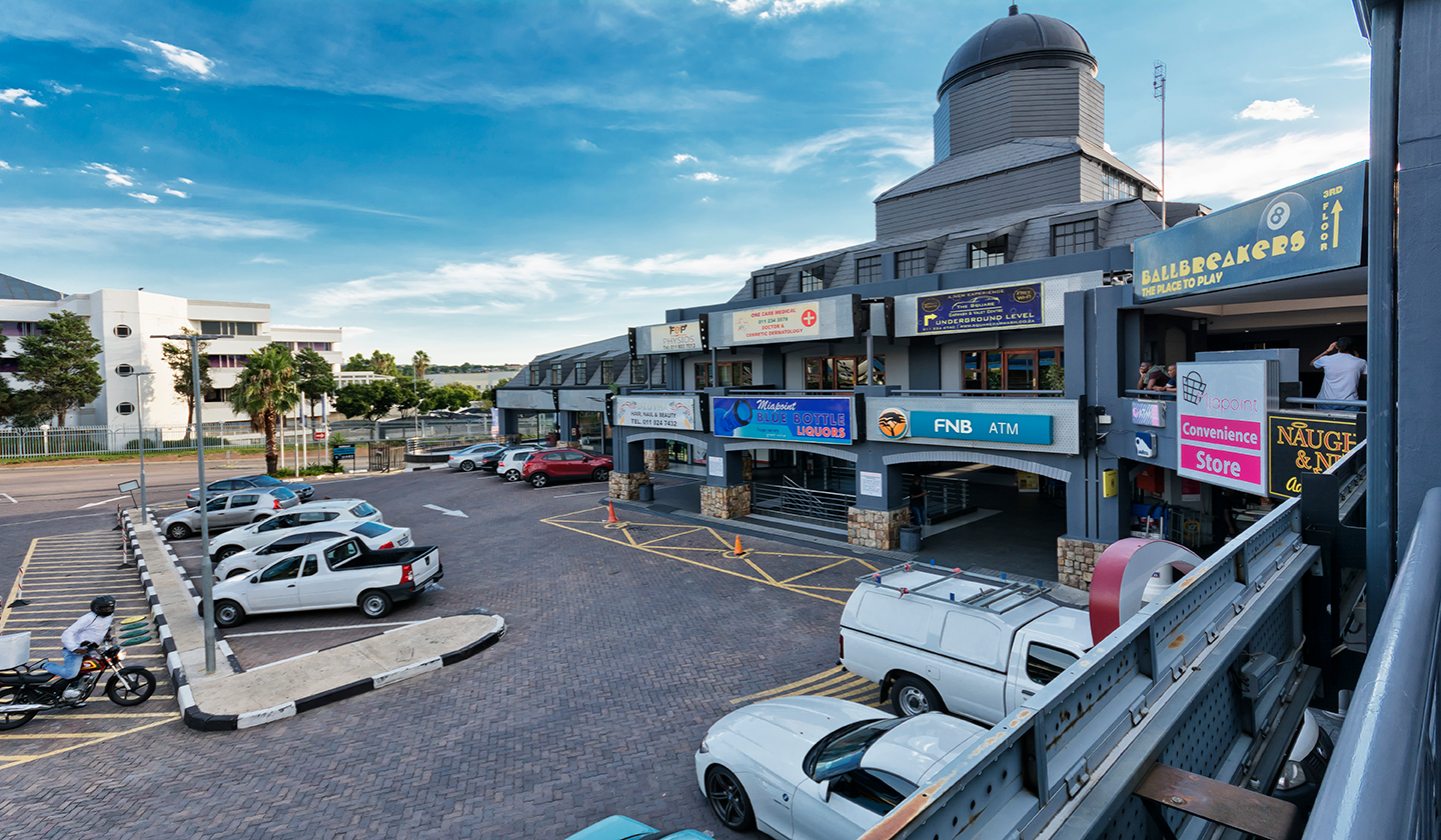 The Square Shopping Centre, center, mall, shops, rivonia, entertainment, checkers, bank, nedbank, fnb, atm, liquor, alcohol, fuel, gas, station, cake shop, cash converters, barber shop, Chinese food, Japanese food, Amitofo developments